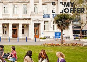 大学快讯!伦敦大学玛丽皇后学院开设2017年国际学生语言课程